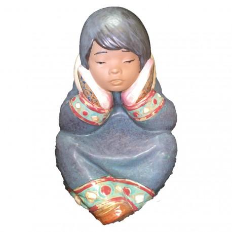 Figura Porcelna LLadro Esquimalita Ensimismada