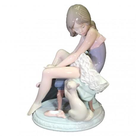Figura Porcelna LLadro Preparándose para ballet